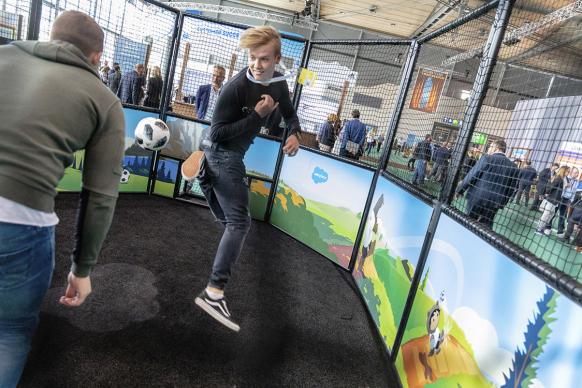 Cebit Salesforce Fussball Aktion